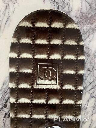 Snowboard White & Brown 148cm RRP With Bindings